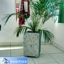 Vaso de planta em Granito